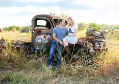If I can get someone to bring an old truck to the wedding, this would be so cute after the ceremony