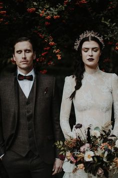 This unbelievably cool Hauntingly Romantic Autumn Wedding Shoot is some of the most romantic Halloween wedding inspiration you will ever see. Edgy Wedding, Fall Wedding, Wedding Styles, Dream Wedding, Autumn Wedding Dresses, Gothic Wedding Ideas, Victorian Wedding Themes, Halloween Wedding Dresses, Halloween Bride
