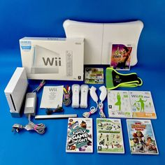 Nintendo Wii Fitness bundle Fit Board 4 Remotes Zumba Wii Fit + Plus Belt Sports Family Game Night, Family Games, Wii Fit, Wii Games, Fit Board Workouts, Video Game Console, Zumba, Nintendo Wii, Video Games
