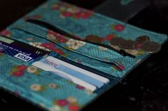 Free pattern: wallet sewing pattern and photo tutorial | Crafty Crafty