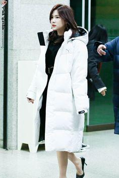 Oh Ha Young Apink❤181207 Fur Coat, Target, Jackets, Fashion, Down Jackets, Moda, Fashion Styles, Fashion Illustrations, Fur Coats