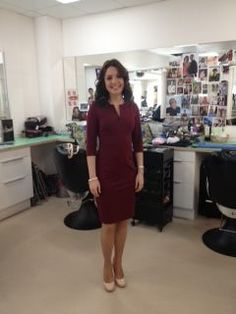TV presenter wearing her Jeetly Victoria dress Dress For Petite Women, Petite Dresses, Work Outfits, Dresses For Work, Tv Presenters, Victoria Dress, Professional Women, Shirt Dress, Lady