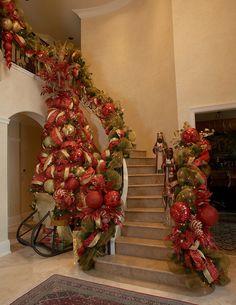 Christmas staircase...Wow