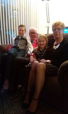 Opa oma met de kleinkinderen op 25 december 2015. Mijn eigen foto.