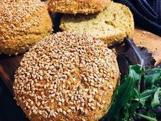 Low carb Burger Brötchen. Keto / LCHF. Mit Zutaten aus dem Supermarkt ganz einfach zusammengerührt und gebacken. Damit beeindruckt man alle. Einfach lecker.