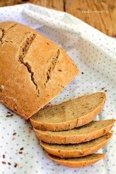Pâine de secară cu seminţe de in Cooking Bread, My Recipes, Barley Recipes, Just Bake, Sweet Potato, Vegetarian Recipes, Food And Drink, Gluten, Baking