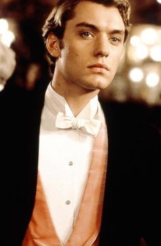 "Lord Alfred ""Bosie"" Douglas - Jude Law in Wilde (1997)."