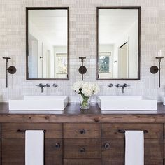 Such beautiful symmetry and I love the warm neutral palette with black accents  great inspiration from @jenniferrobininteriors #beautytime