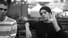 Click here to read Dylan Sprouse's amazing response to Joe Jonas complaining about Disney.