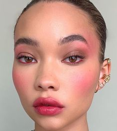 24 Fall Makeup Trends Shockingly Wearable Makeup Looks For Fall - Make-Up Makeup Trends, Makeup Inspo, Makeup Tips, Makeup Ideas, Drugstore Makeup, Drugstore Contouring, Glam Makeup, Pretty Makeup, Classy Makeup