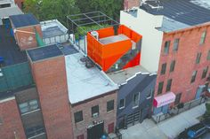 A Brooklyn Carriage House Is Revamped With a Penthouse Made From Shipping Containers - Dwell