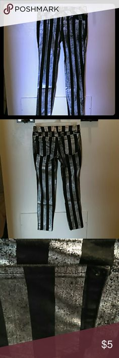 Size 12 Girls Jeggings Black and Silver striped Jeggings in perfect condition..really fun!! BONGO Bottoms Jeans