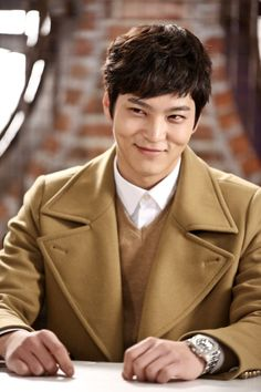 Joo Won renews his contract with outdoor brand 'Mountia' for the 3rd year