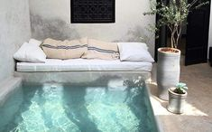 Mini Swimming Pool, Swimming Pool Designs, Algarve, Greece House, Small Pool Design, Backyard Renovations, Glass Pool, Small Patio, In Ground Pools