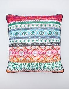Kulawi kudde multi | Pillow | Pillow | Kuddar | Inredning | INDISKA Shop Online