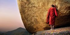 Two National Geographic photographers, Catharine Karnow and David Lazar, set out to capture the essence of the ancient Buddhist capital with their cameras. Tibet, Isadora Duncan, Mantra, National Geographic Photographers, Meditation, Buddha Art, Buddha Painting, Buddhist Monk, Portraits