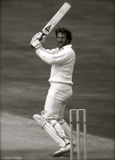 Ian Botham (Eng) cricket all rounder. Cricket Time, Test Cricket, Cricket Bat, Cricket Sport, Cricket News, Ashes Cricket, Sports Images, Sports Photos, Cricket Uniform