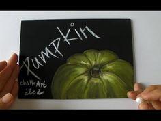 黒板にチョークアートでかぼちゃを描くところ (Chalk Art drawing pumpkin)