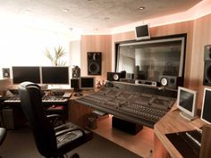 ATB (Andre Tanneberger) Studio, Germany. Love it!