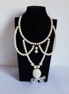 peter pan white pearl necklace