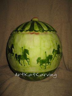 Art Kat Carving Watermelon Basket, Centerpieces, Carving, Fruit, Food, Wood Carvings, Essen, Center Pieces, Sculptures