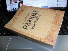 POEMAS ESQUECIDOS - L. L. SANTOS   300 PÁGINAS  Sétimo volume da coletânea de poemas, contos e crônicas postados nas redes sociais.     https://www.clubedeautores.com.br/book/171103--POEMAS_ESQUECIDOS