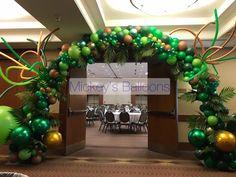 Jungle balloon arch idea Jungle Balloons, Ornament Wreath, Ornaments, Jungle Party, Balloon Arch, Balloon Decorations, First Birthdays, Christmas Wreaths, Reception