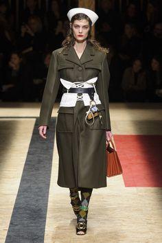 Military Trend Runway Prada F/W '16 - Fashionchick