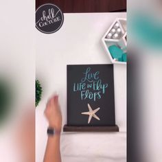 "Made with Chalk Couture ""Live Life in Flip Flops"" Transfer [Video] Chalk Crafts, Paper Crafts, Wood Block Crafts, Wood Projects, Nautical Signs, Chalkboard Vinyl, Chalk Design, Diy Canvas Art, Diy Art"