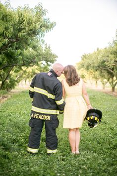 Reid's Orchard Owensboro Ky firefighter engagement pictures
