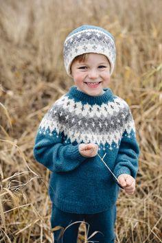 Flamingo Cardigan pattern by Dale Design Jumper Patterns, Cardigan Pattern, Star Patterns, Knitting Patterns, Alpaca Wool, Wool Yarn, Fair Isle Knitting, Baby Knitting, Shetland Wool Week