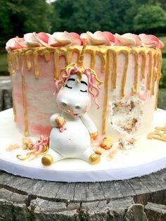 Die #Einhorn Torte & das #Pummeleinhorn machen die #Party märchenhaft!