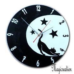 sur commande horloge chat étiré dans la lune - Boutique www.magicreation.fr Etsy, Vintage, Tours, Wall, Clocks, Boutique, Inspiration, Vinyls, Cat Clock