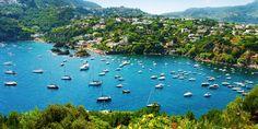 649 € -- Italien: Ischia-Woche mit Flug, Fähre & HP, -170 €