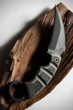 combat knifes