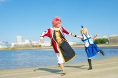 Isn't this an amazing cosplay of Fairy Tail's Natsu and Lucy? Soramago Satori cosplays Natsu with 硅 as Lucy.