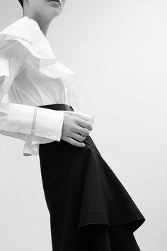 Rimondi Pre-Fall 2017 Fashion Show Collection Fashion 2017, Couture Fashion, Fashion Trends, Moda Minimal, Fall Winter 2017, Fashion Details, Fashion Design, Fashion Show Collection, Minimal Fashion
