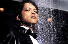 """Bruno Mars """"Whattaman"""" gif"""