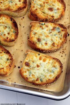 Cheesy Garlic Bread #italianfood