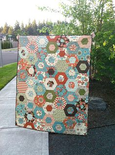 Seems  like its been going on forever. They are still 7 days right? Seems like the 4th was so long ago. I finished a quilt,  quited for a cl...