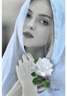 The World in Black and White Splash Photography, Color Photography, Black And White Photography, Portrait Photography, Color Splash, Color Pop, Color Blue, Splash Images, Belle Silhouette