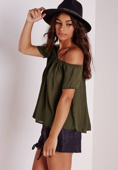Missguided - Cold Shoulder Strappy Pleated Top Khaki