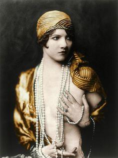 Jean Ackerman Ziegfeld girl, by Alfred Cheney Johnston, ca. 1929