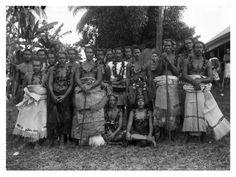 A group of people of high rank wearing siapo barkcloth, ie-tonga fine mats, and ulafala pandanus seed necklaces, Lufilufi, Upolu, Samoa, 1900. AMS318/V6015.