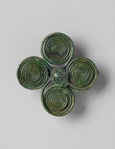 Brooch Celtic (Germany), 8th Century BC The Metropolitan Museum of Art