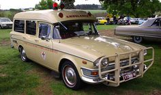 classic ambulances of years gone by Dump Trucks, Ford Trucks, Retro Cars, Vintage Cars, Old Classic Cars, Classic Auto, Old Police Cars, Counting Cars, Garbage Truck