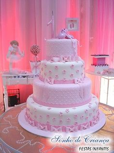 Lindo eds bolo pra festa Baby Cakes, Baby Shower Cakes, Girl Cakes, Pretty Cakes, Cute Cakes, Beautiful Cakes, Bolo Barbie, Barbie Cake, First Birthday Cakes