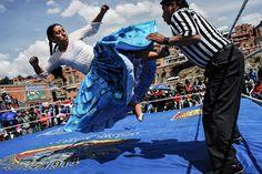 Las cholitas luchadoras al ataque   VICE México