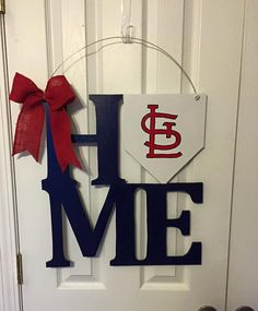 St Louis Cardinals Door Hanger by WhimsEchols on Etsy Cardinals Shirts, St Louis Cardinals Baseball, Stl Cardinals, Cardinals Players, Baseball Crafts, Baseball Wreaths, Baseball Signs, Baseball Stuff, Sports Baseball