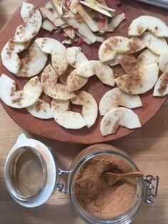 Fluffy yogurt apple pancakes – Tasty Matter - New Sites Fluffy Pancakes, Buttermilk Pancakes, Banana Pancakes, Yogurt, Cheesy Ranch Potatoes, Pancake Healthy, Sushi, Jerky Recipes, Twice Baked Potatoes